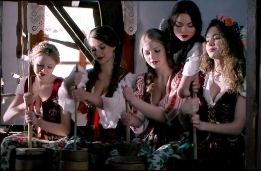 """Escena del videoclip """"My slowianie"""", canción que representó a Polonia en Eurovisión"""